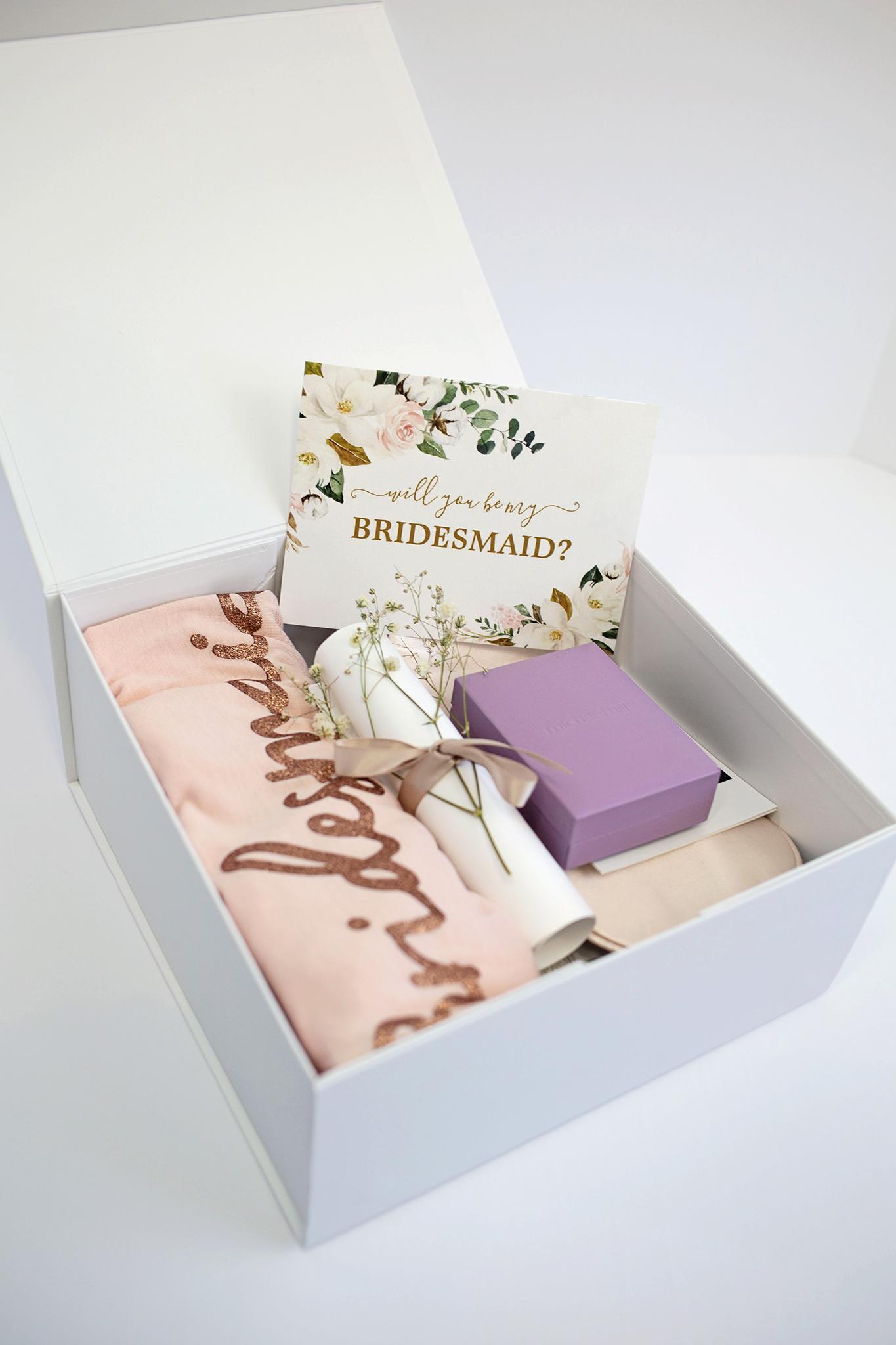 Finished bridesmaid proposal box